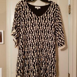 Black and cream lace tunic